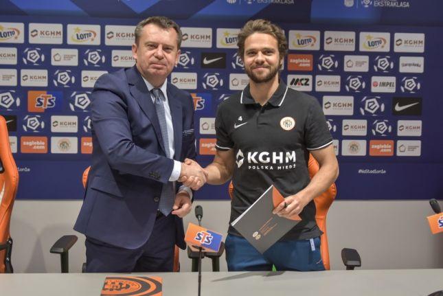 Официально: Экс-игрок «Рубина» перешёл в польский клуб
