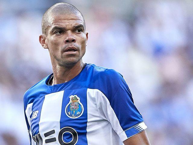 Экс-защитник «Реала» Пепе стал лучшим футболистом в Португалии в сентябре и  октябре | Футбол 24
